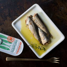 Canned Portuguese Sardines in Olive Oil w/red chili pepper 4.4oz 12pk